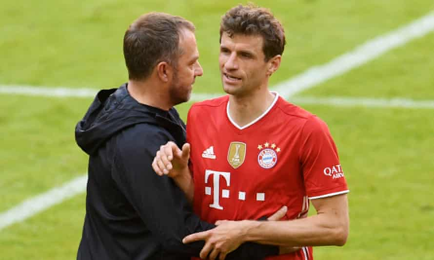 Hansi Flick with Thomas Müller after Bayern Munich's draw with Union Berlin.
