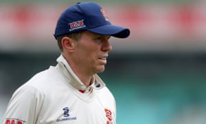 Peter Siddle's form for Essex has him firmly in the frame for inclusion in Australia's squad for the Ashes this summer.