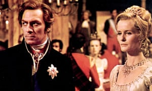 Christopher Plummer as Arthur Wellesley, Duke of Wellington and Virginia McKenna as the Duchess of Richmond in Waterloo, 1970