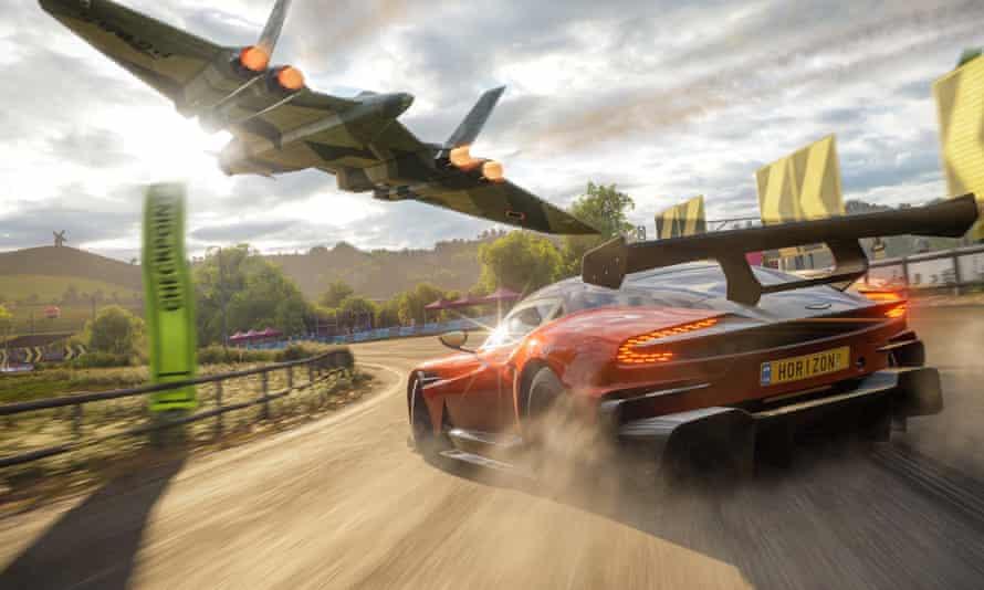 Flying visit … a Vulcan bomber buzzes an Aston Martin in Forza Horizon 4