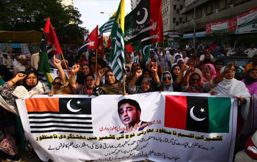 A protest in Karachi against the Indian government's ruling on Kashmir