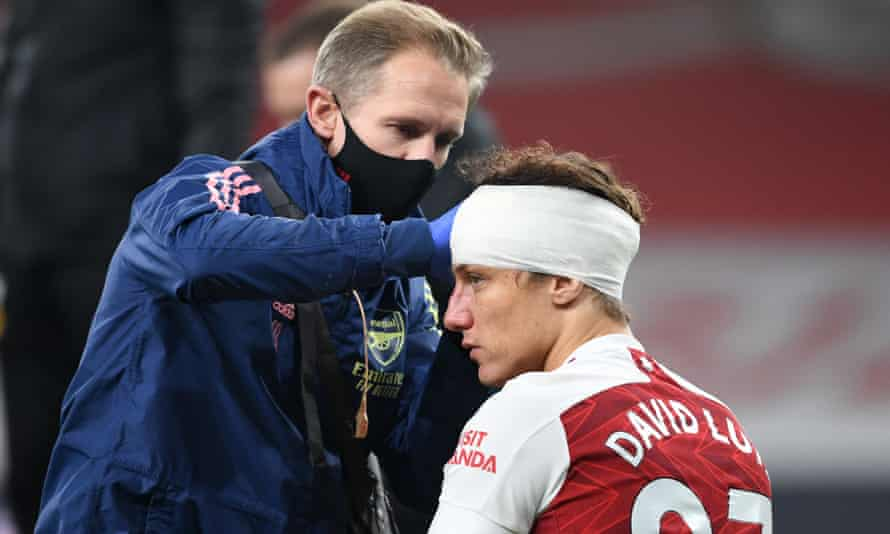 David Luiz was allowed to continue despite sustaining a head injury in Arsenal's match against Wolves on Sunday.