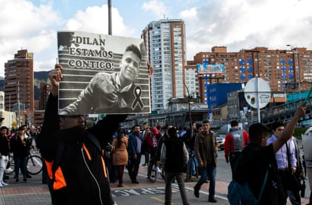 Protesters pay homage to Dilan Cruz, who died on Monday.