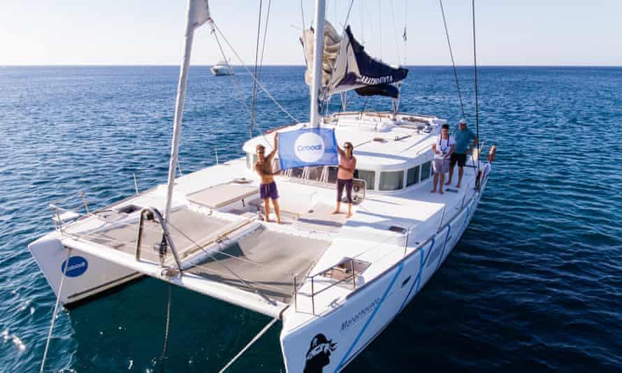 Coboat organises working holidays