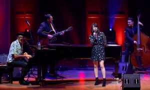 Imelda May joins Goldblum and the Mildred Snitzer Orchestra for Autumn Leaves.