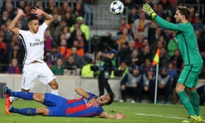 Luis Suárez falls in front of Marquinhos, left, to win the penalty from which Neymar levelled the aggregate scores for Barcelona, while PSG's Kevin Trapp catches the ball