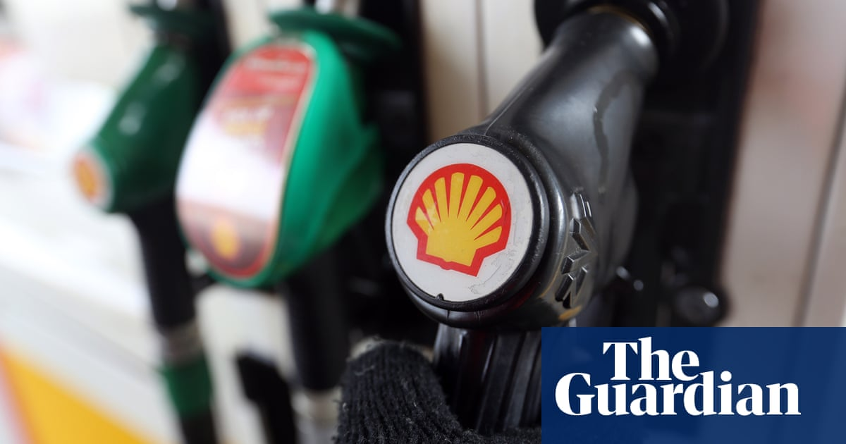 Shell secures £10bn loan facility as it warns over £650m hit from oil price fall