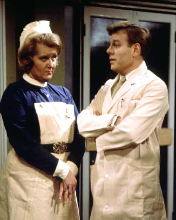 Desmond Carrington in a scene from Emergency – Ward 10.