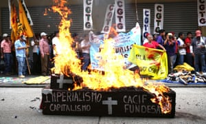 Trade unionist march calling for an end to corruption in Guatemala. 'The independent media in my country is vital to building a new democracy and fighting corruption,' says journalist Otto Angel.