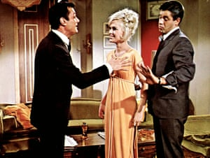Tony Curtis, Suzanna Leigh and Jerry Lewis in Boeing, Boeing, 1965