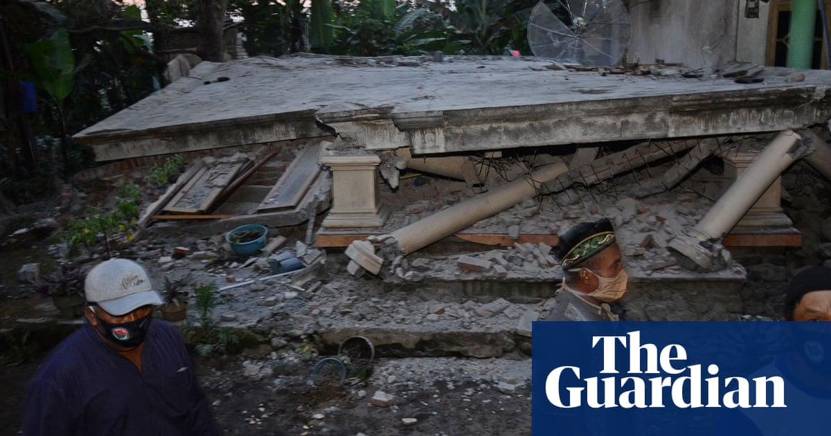 Indonesia earthquake: at least seven dead on Java island