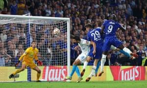 Romelu Lukaku heads Chelsea in o the lead.