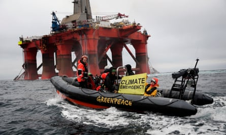 Protesters on Greenpeace boat
