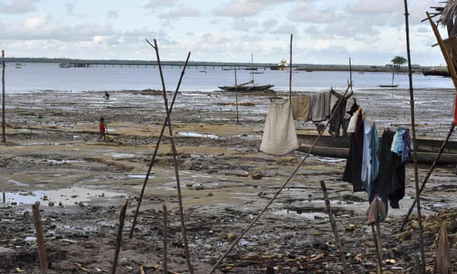A small fishing village sits on the coast of Daru, an island in the Torres Strait and part of Papua New Guinea