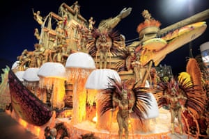 Members of the Gaviões da Fiel samba school