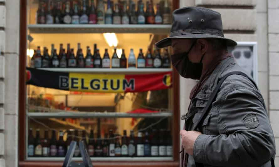 Cross-border travel for recreation and tourism is to be prohibited in Belgium from Wednesday.