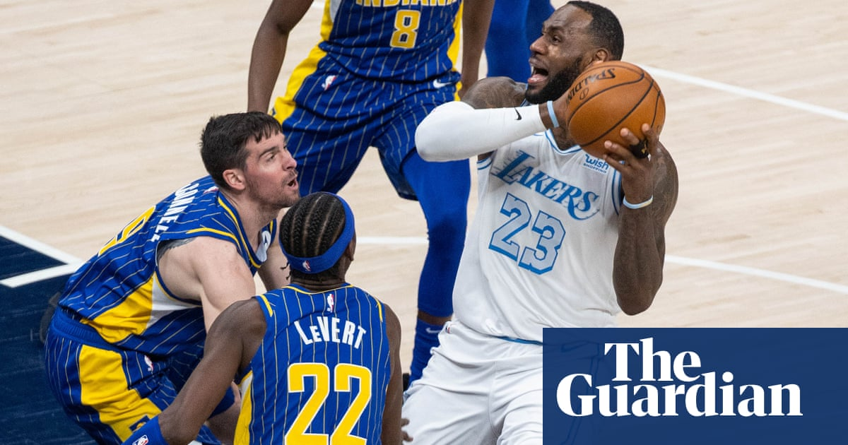 Playoffs or play-in? LeBron returns but Lakers won't know fate until final day