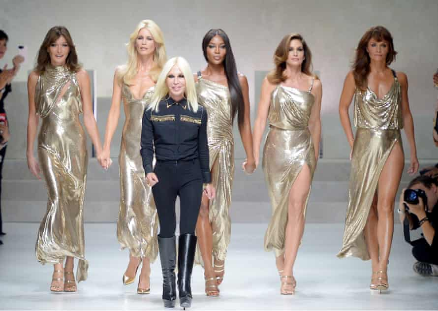 Donatella Versace with (left to right) Carla Bruni, Claudia Schiffer, Naomi Campbell, Cindy Crawford and Helena Christensen