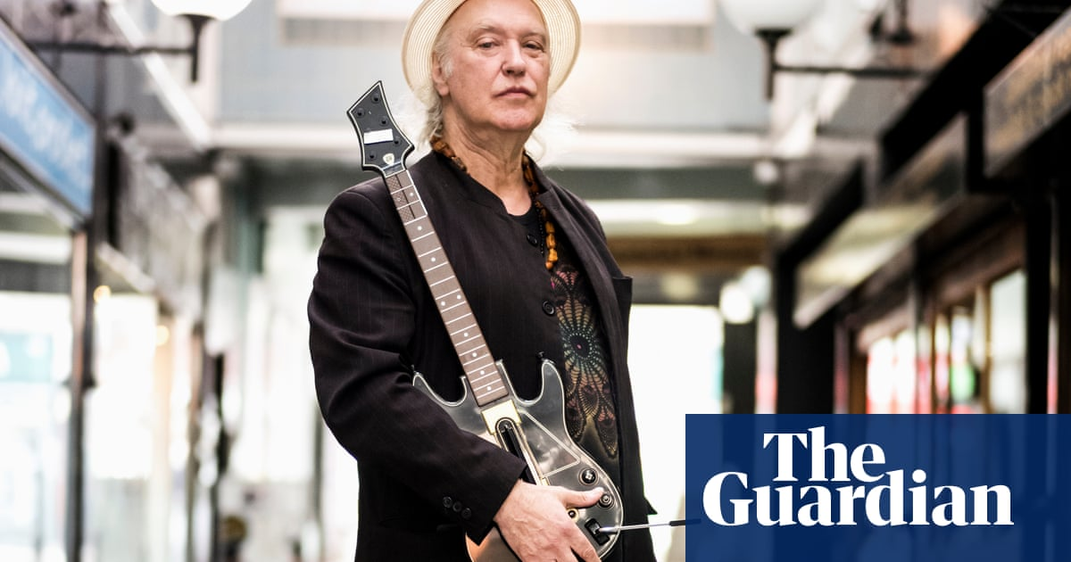Kinks guitarist backs calls to save art deco shopping arcade