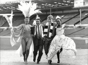 Mirandinha and Neil Mcdonald pose with Sharon Bannister and Julia Dos Santos from the London School Of Samba in 1988.