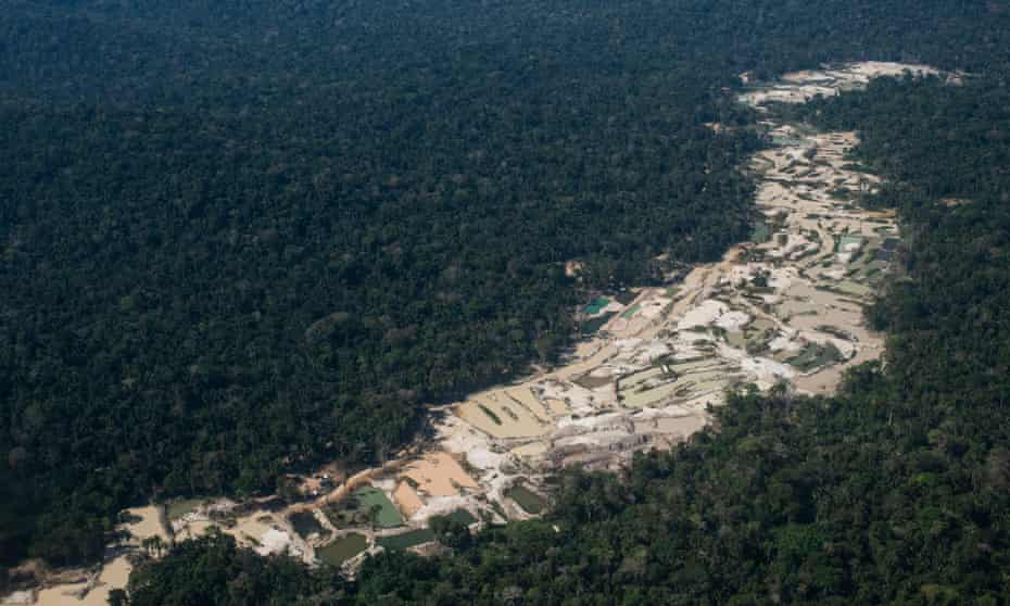 Gold mining site called Coringa (garimpo do Coringa), located inside the Baú Indigenous Land. 13 August 2020.