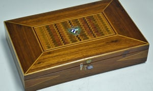 Cigar box alleged to have been owned by Che Guevara.