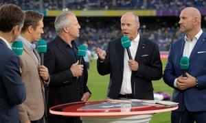 ITV's pundits Jonny Wilkinson (second left), Sean Fitzpatrick, Clive Woodward and Lawrence Dallaglio talk shop before the World Cup semi-final.