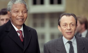 Michel Rocard with Nelson Mandela in 1990.