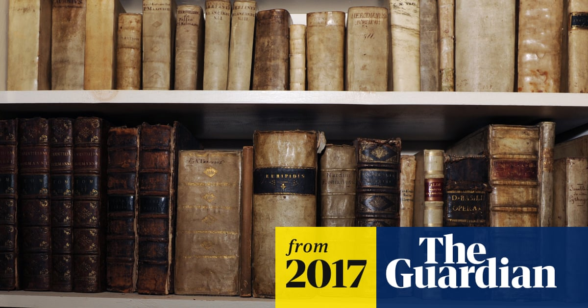Thieves steal £2m of rare books by abseiling into warehouse | UK