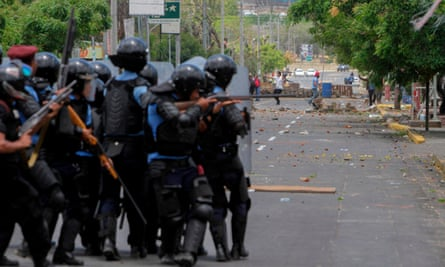 Riot police protesters Nicaragua