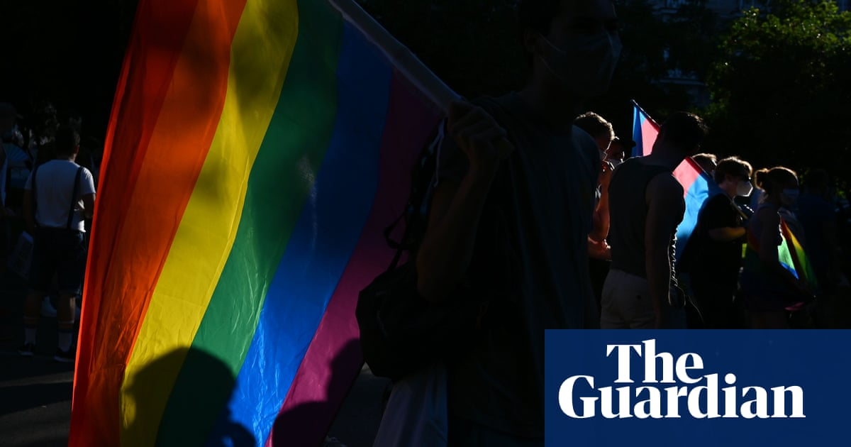 Police investigate homophobic assault at knifepoint in Madrid