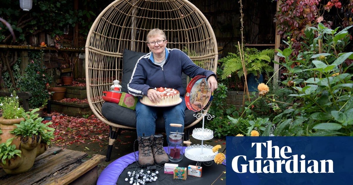 Image 'We don't need to buy more stuff': the people who kit out their home for free