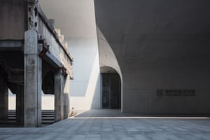 Long Museum West Bund Shanghai, China by Atelier Deshaus Photographer: Pawel Paniczko