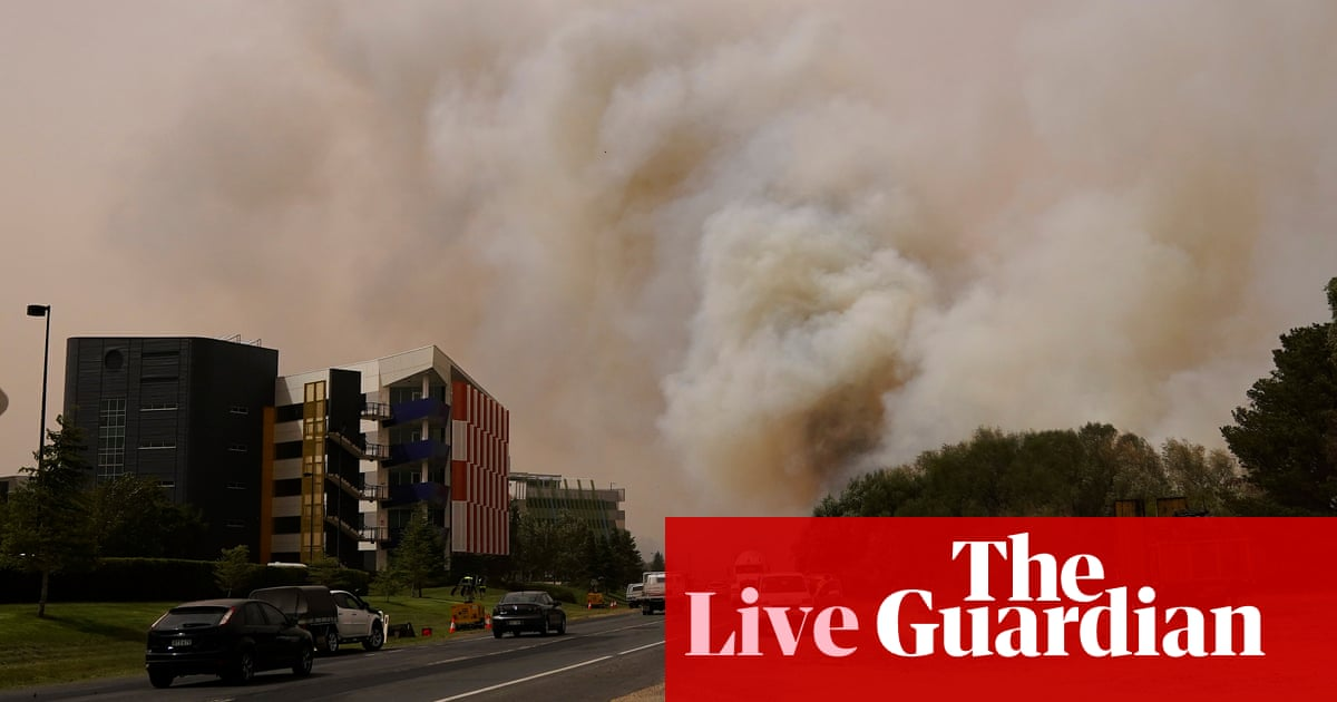 Australia fires live: Canberra airport closed as bushfire flares up on NSW south coast – latest updates