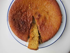 Light brown sugar and honey in Melissa Forti's cake.