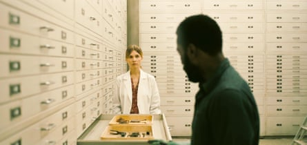 Clémence Poésy as Laura and John David Washington in Tenet.