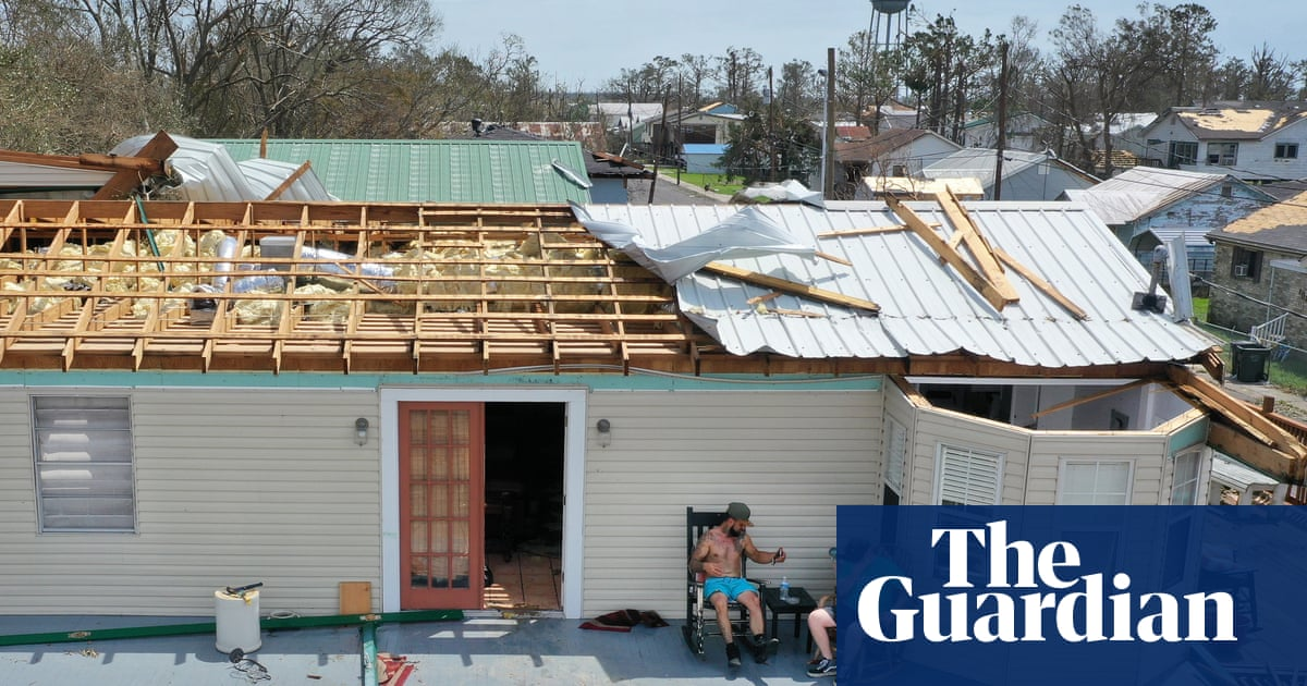 Louisianans scramble for relief from heat as workers try to restore power