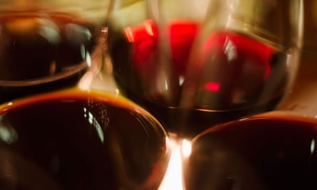 Close-up red wine glasses