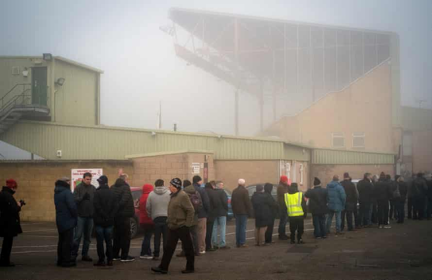 Lincoln City fans queue to buy tickets