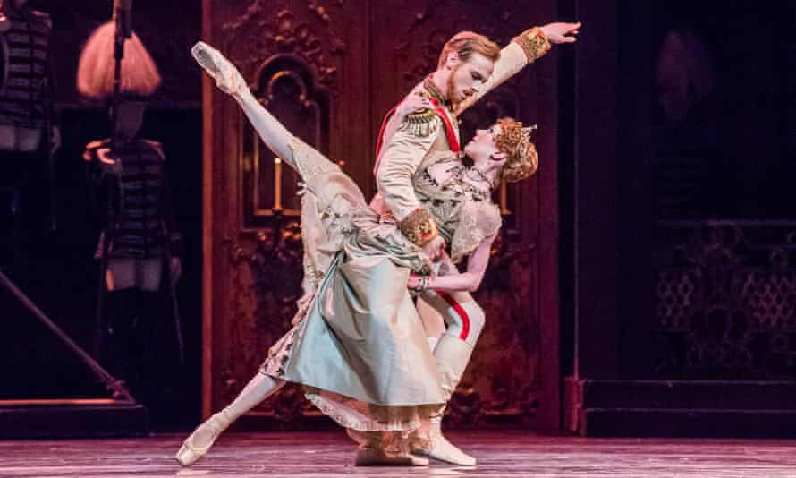 Edward Watson as Rudolf and Sarah Lamb as Marie Larisch in Mayerling by Kenneth MacMillan.