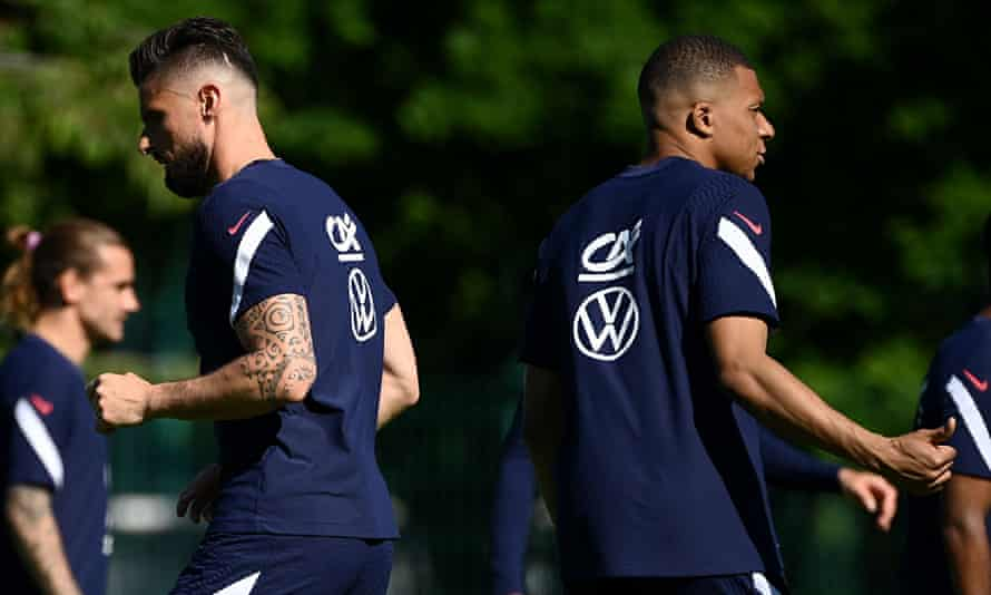 Olivier Giroud (left) and Kylian Mbappé at a France training session on Sunday before their Euro 2020 opener against Germany.