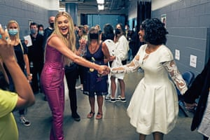 Nashville, US Kelsea Ballerini, left, meets Gladys Knight at the CMT music awards at Bridgestone Arena in Tennessee
