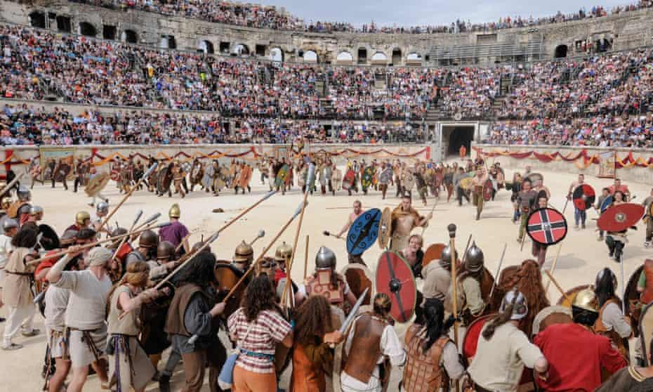 Re-enactors at Nîmes' Les Grands Jeux Romains battle it out on the arena floor.