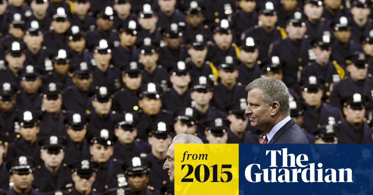 7c6a5a0fc8b07 NYPD chief Bratton says hiring black officers is difficult   So many have  spent time in jail