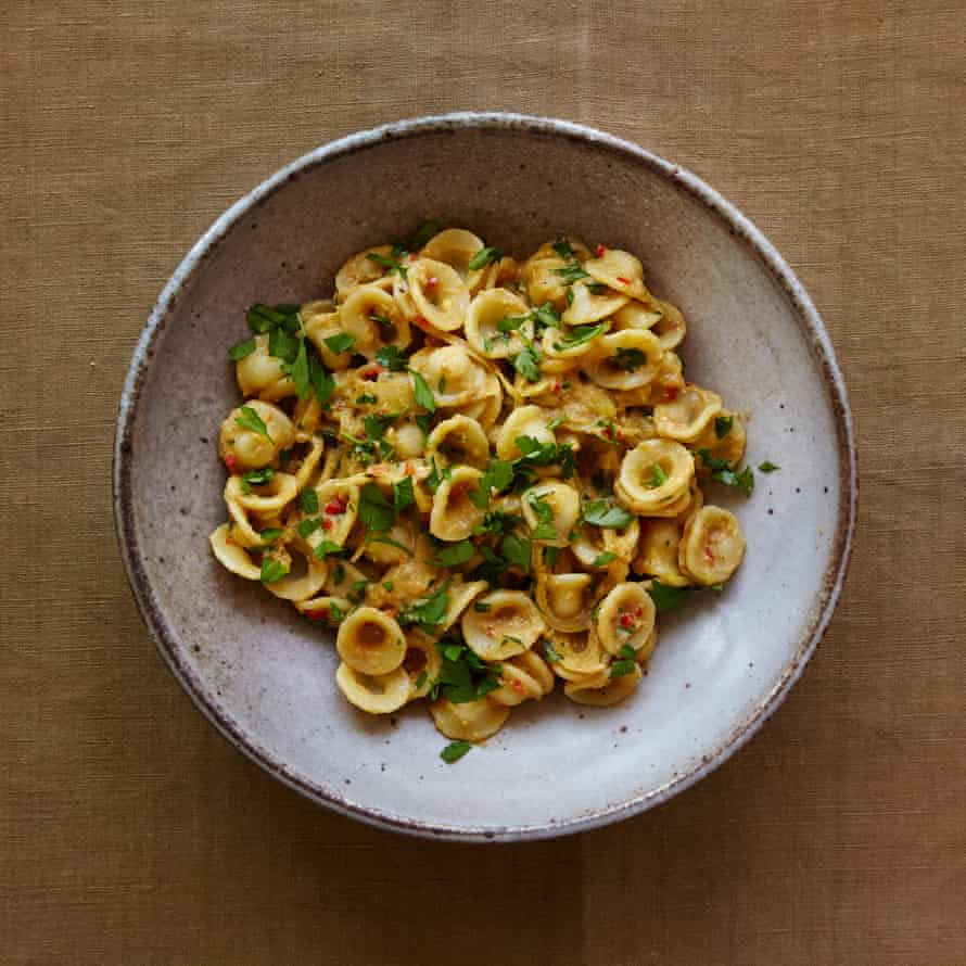 Jack Monroe's creamy pasta made with tinned crab.