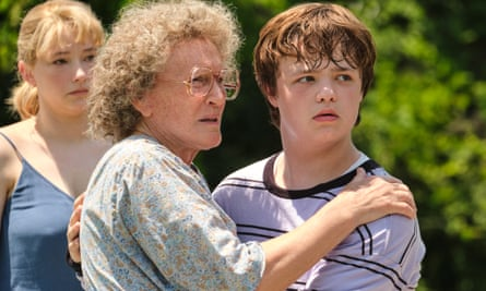 Hillbilly Elegy review – Glenn Close's grouchy gran saves the day | Drama  films | The Guardian