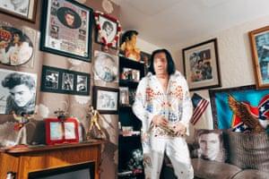 Elvis Parkin in his front room, 2017
