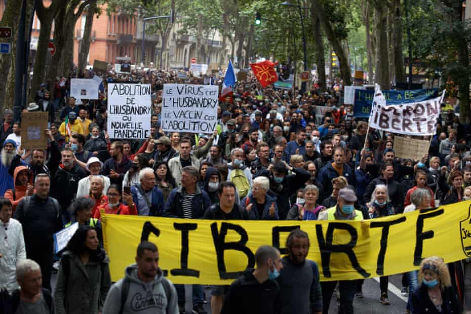 Thousands protested on 31 July in Toulouse against the near mandatory vaccination and against the health pass in France.