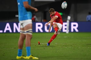 Leigh Halfpenny kicks the penalty for Wales and hits the post.