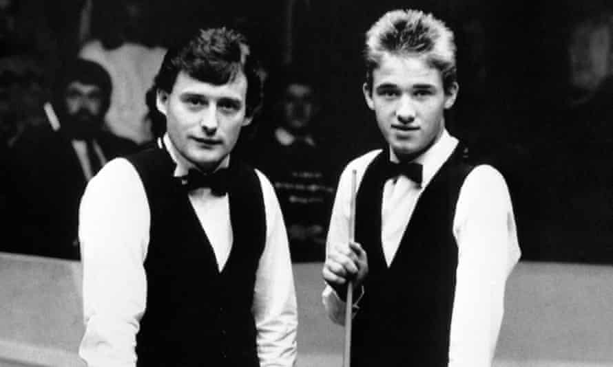 Jimmy White and Stephen Hendry before their 1988 second-round match at the World Championship.